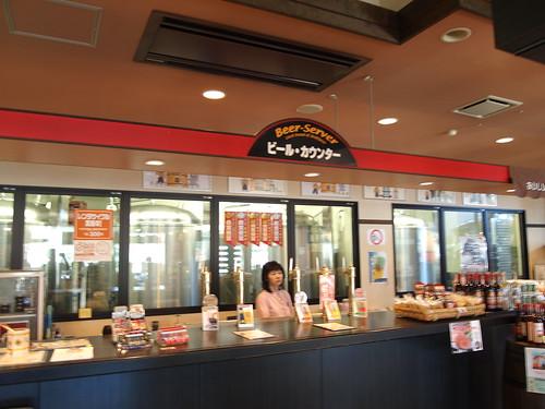 松江堀川地ビール館のビールカウンター