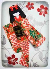 ATC414 - Dusk is falling (tengds) Tags: flowers red black atc sticker gray bow kimono obi papercraft japanesepaper washi ningyo handmadecard decorativepaper chiyogami yuzenwashi japanesepaperdoll origamidoll tengds