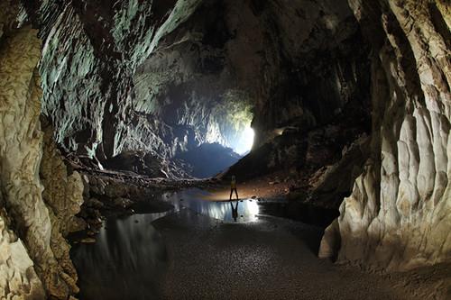 Deer Cave - Mulu NP in Borneo