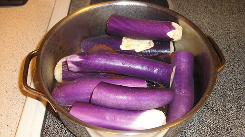 Eggplants in pots, ready to steam