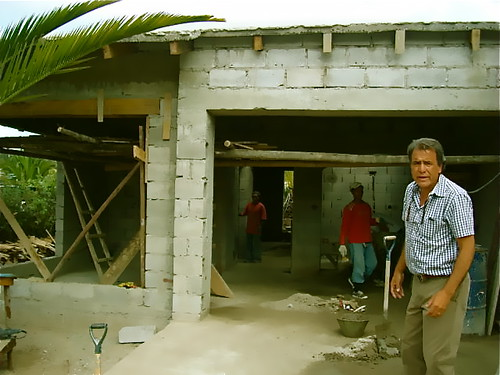 ecuador-gated-community