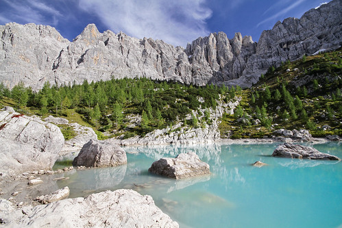 Sorapiss lake