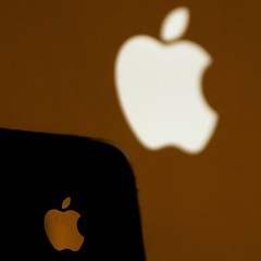 The Logo's The Thing... - Out Of Focus Week Day 5 (Stuart`Dootson) Tags: me apple moi iphone yep macbookpro fanboi