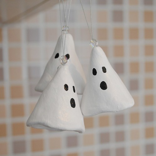 Trio of hanging ghosties!