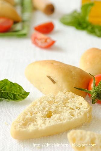 Fiori di Pane al Basilico con Pasta Madre-Sourdough Basil Flower Bread