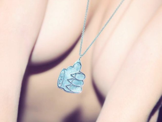 Cool-Cats-x-Cement-Patte-de-Chat-Necklace-1