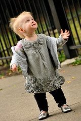 Candid Girl (A.R. Bianchi) Tags: park wickerpark chicago fall girl toddler candid balloon naturallight september tot chicagoil arbianchiphotography