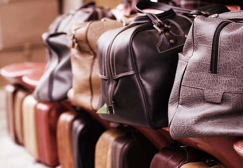 28/365 : Suitcases