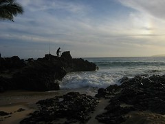 Fishing Makena Cove (stu_macgoo) Tags: hawaii maui makena makenacove