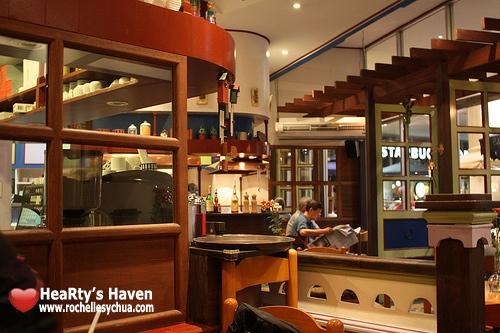 cafe breton ambiance