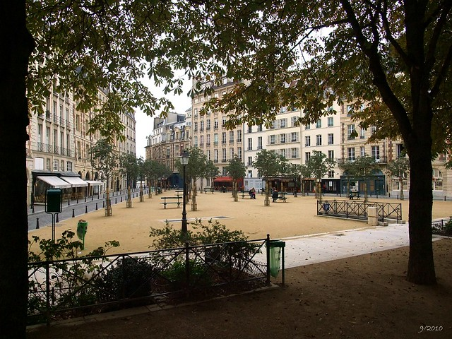 Place Dauphine: Paris: September 2010 v1