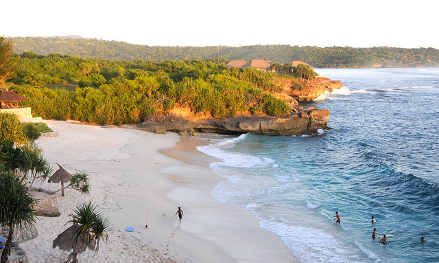 Dream Beach, Nusa Lemobngan Sunset