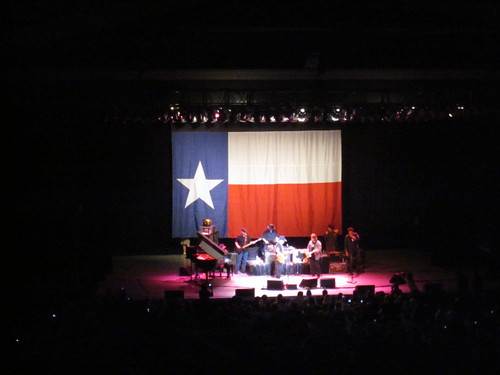 willie nelson at the greek