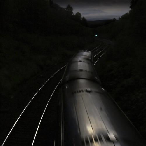 [フリー画像] 乗り物, 電車・列車, 道路・線路, 201010052300