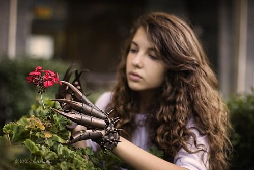 gardening death gloves