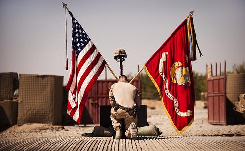 フリー写真素材, 社会・環境, 戦争・軍隊, 国旗, アメリカ海兵隊, アフガニスタン・イスラム共和国,