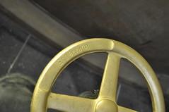 'Entleerung' / Emptying (PimGMX) Tags: berlin abandoned beer wheel metal underground industrial brewery valve bier brass neukölln brouwerij koper urbex brauerei shutoff kindl berlinerkindl kupfer unterwelten
