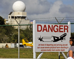 Danger! Low flying aircraft (Brian Digital) Tags: sunset beach bar maho stmaartens princessjulianainternationalairport