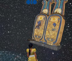 Meritaten views a cartouche-shaped box from King Tut's tomb in virtual Amarna (Akhetaten) (mharrsch) Tags: ancient egypt 18thdynasty nefertiti akhenaten cartouche virtualworld meritaten amarna virtualenvironment mharrsch akhetaten heritagekey