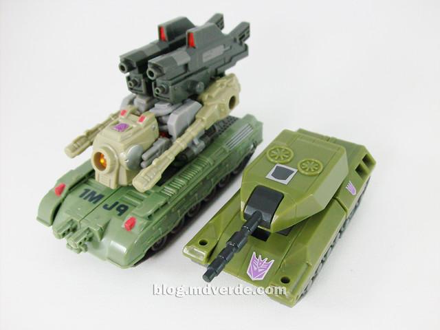 Transformers Brawl Universe Scout - modo alterno vs. Brawl G1 Encore