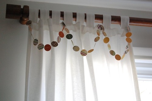 paper garland fall thanksgiving decor