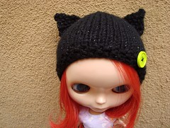 Knit sparkly cat hat