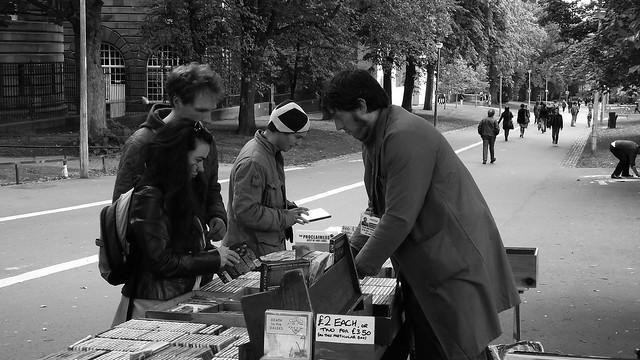 al fresco album browsing 02
