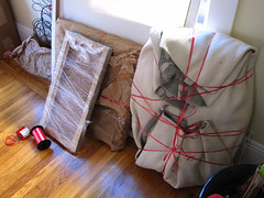 Creative packing (jcgr) Tags: wrapping move preparation creatively completing