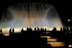 i4 (Pep Badia) Tags: barcelona people tourism water fountain silhouette night noche agua gente bcn fuente silueta turismo montjuic montjuc