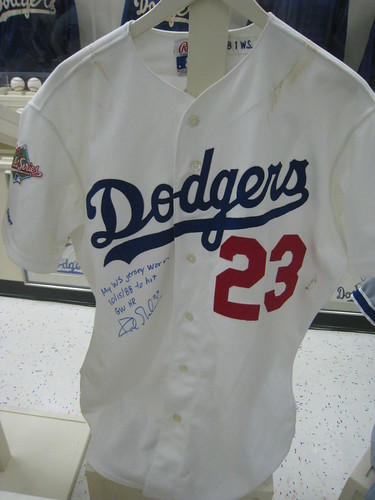 VIN SCULLY IS MY HOMEBOY  Kirk Gibson - 1988 World Series Jersey   Bat 732f53f3c17