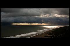 La Palapa Maldita (Filmación) (Chubakai) Tags: sea sky color luz sol clouds mar agua ps cine cielo nubes oaxaca lr chacahua mariodominguez oulala cs5 ltytrx5 ltytr2 ltytr1 ltytr3 ltytr4 ltytr5 oulalacommx chubakai mariochubakaidominguez