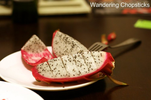How to Eat Dragon Fruit 7