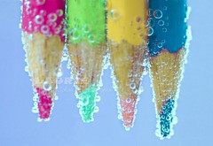 Lpices y burbujas ({K. Laurie}  ) Tags: pink blue color macro verde green glass yellow azul closeup pencils fun four cool vibrant 4 bubbles gas amarillo colored soda catchy carbonated lpices celeste burbujas rosado vibrantes efervecente lpicesdecolor efervecencia