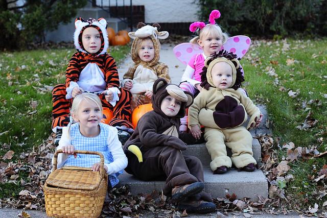 halloween.cousins
