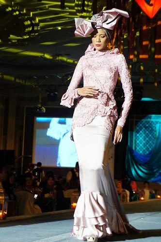 Islamic fashion festival 2010 - jovan mandagie 3