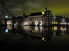 Den Haag - Binnenhof (joyrex) Tags: longexposure reflection night lights nightshot nacht nederland thenetherlands denhaag le thehague hofvijver binnenhof reflectie regering sooc mooistestadvannederland