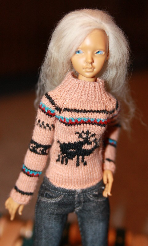Handcrafted sweater for 1/6, handcrafted wig for limhwa