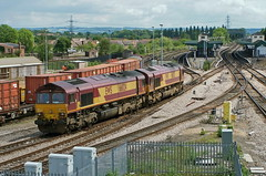 66024 at Didcot (john lilburne) Tags: diesel locomotive didcot class66 ews networkrail