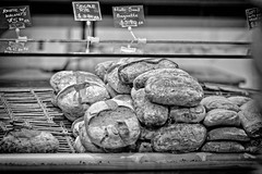 Pane (Samantha Decker) Tags: nyc newyorkcity monochrome photoshop canon bread eos rebel italia manhattan adobe dslr pane postprocess bigapple flatiron cs4 500d canonef100mmf2usm eataly digitalsinglelensreflex topazadjust samanthadecker t1i