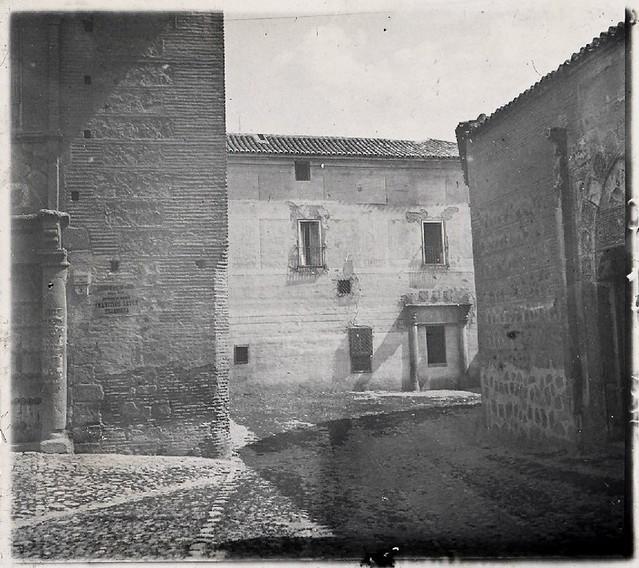 Palacio del Rey Don Pedro en la Plaza de Santa Isabel en los años 20. Fotografía de Ángel del Campo Cerdán