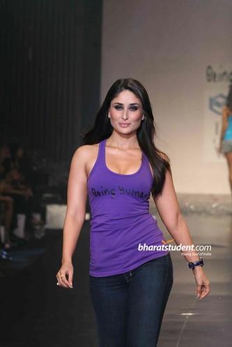 Kareena Kapoor Hot Boobs