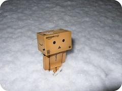 1st snow of the season (nevada38) Tags: schnee snow japan toys amazon box sneeuw carton neige figurine bonhomme danbo amazoncojp revoltech danboard