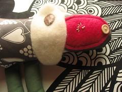 beth, dettaglio (Bennedix.illustra) Tags: bear animals beth puppets pile claudio crafting franco orso lupo pezza stoffa pecora bottoni pupazzi ambrogio uniicorno bennedixillustra
