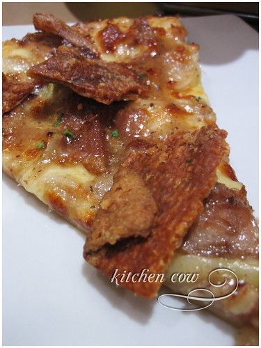Pizza Hut - Lechon Pizza 02