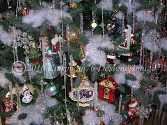 Close up of my Christmas Tree (kimsmom76(Susan)) Tags: christmas christmastree decoratedchristmastree blownglassornaments icicles snow kimsmom kimsmom76 icicletree flockedtree snowcoveredtree sweetscenes