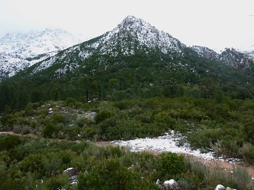 Le départ à pied sous Punta di Lora (614m)