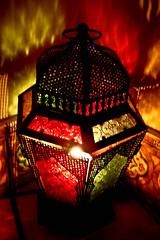 Lámpara [43|365] (lachicadelfagot) Tags: red verde green lamp lights luces rojo candle lampara vela arabescos