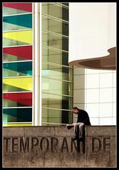Sunday Morning (Herminio.) Tags: barcelona espaa art museum architecture de design spain arquitectura museu arte contemporary bcn catalonia musee richard catalunya museo 1995 richardmeier macba diseo dart meier catalua barcelone alcaraz curva diseny espanya contemporneo herminio catalogne spagne recta contemporani vellisca saghita herminioalcaraz