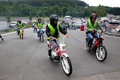 IMG_9352 (Christophe BAY) Tags: mobyltettes francorchamps 2017 rétromobile club spa circuit moto vespa camino flandria