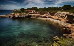 Paisaje (candi...) Tags: playa cala bosque montaña agua cielo mar nubes landscape naturaleza nature airelibre sonya77 rocas
